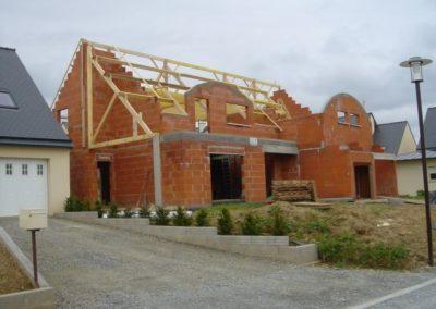 Construction briques à Landujan