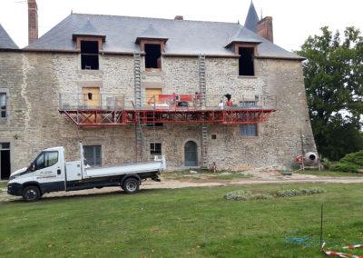 REALISATION FOUR MACONNERIE Manoir du Bertry FACADE AVANT EN COURS